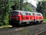 bochum-alle/86938/225-011-und-eine-schwester-maschiene 225 011 und eine schwester Maschiene durchfahren Bochum Hamme am 21.07.2010 lz.